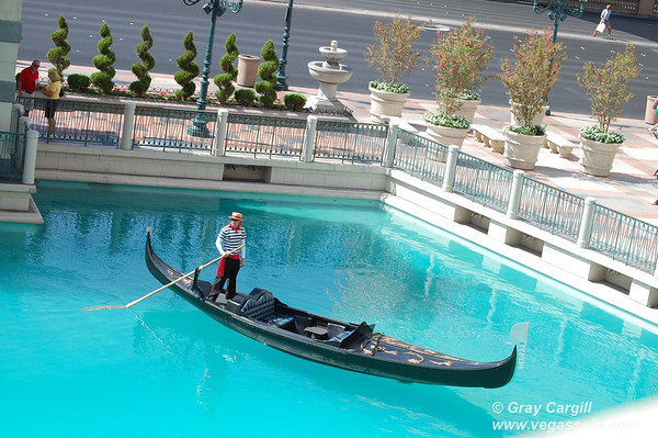 Gondolier at the Venetian