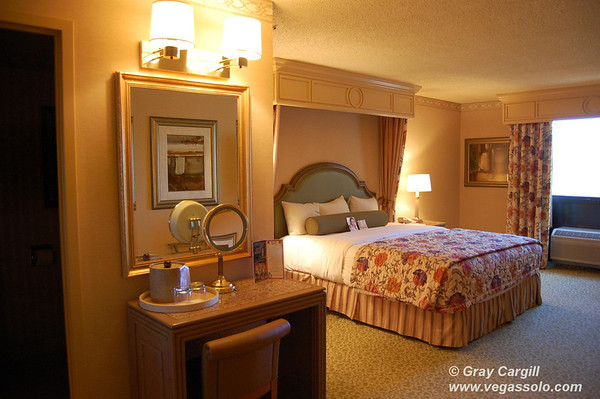 Golden Nugget bedroom