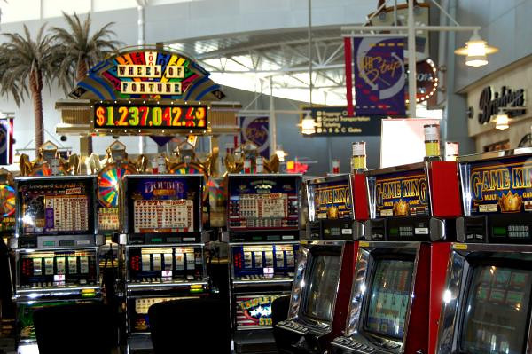 Slot machines in las vegas airport casino royale review rotten